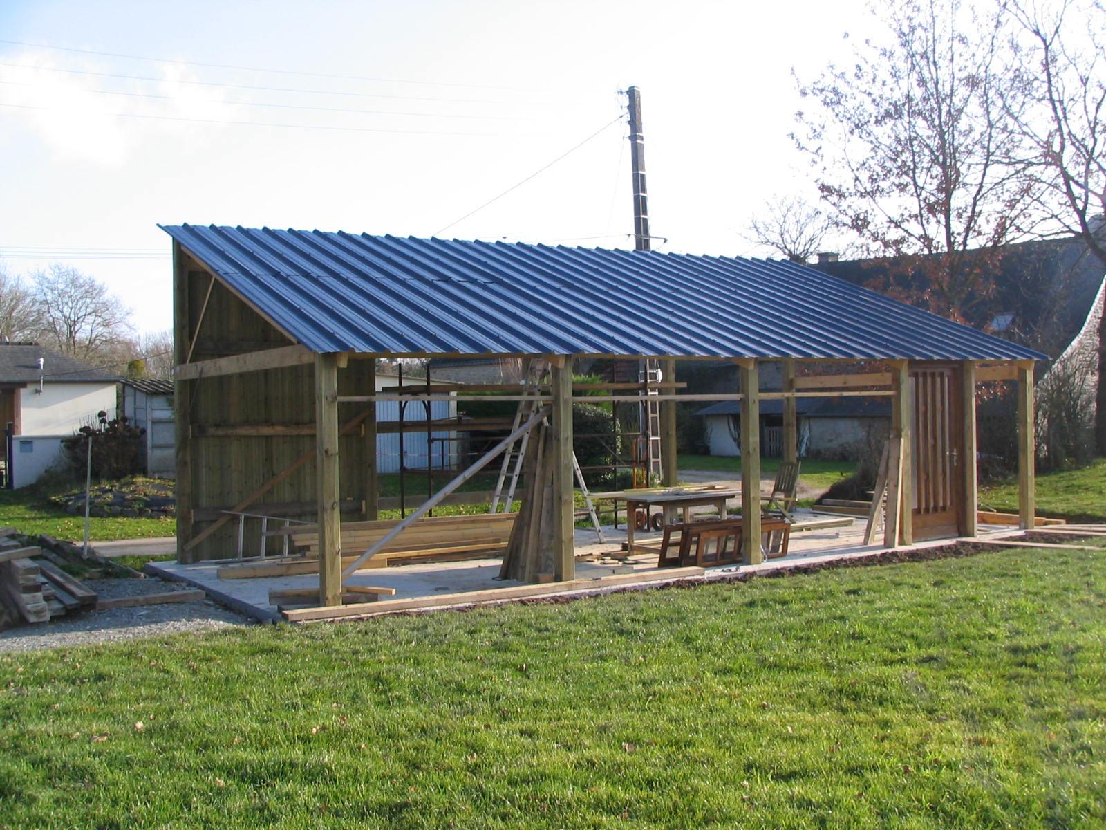 Construction d un hangar en bois x 10m construction hangar bois - Hangar metallique pas cher ...