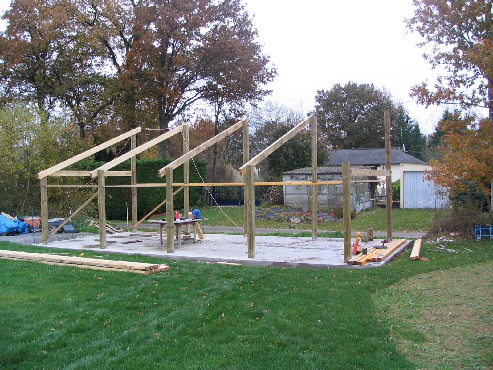 Construction d un hangar en bois x 10m construction for Poteaux de rugby pour jardin